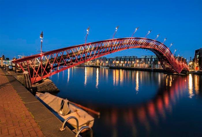 Самые фантастичные современные мосты Питон