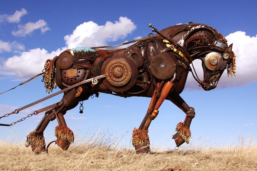 Нереальные животные из металлолома от Джона Лопеза