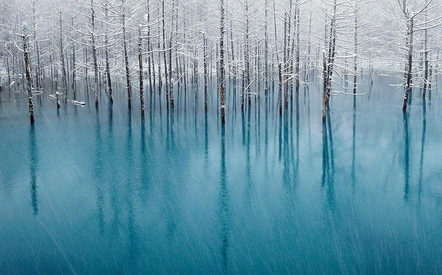 Япония: самые красивые места Japan Голубой пруд на острове Хоккайдо