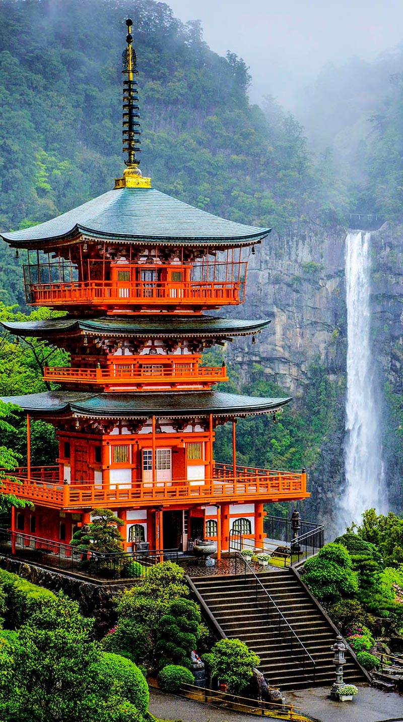 Япония: самые красивые места Japan Пагода Сейгантодзи и водопад Начи-но-таки