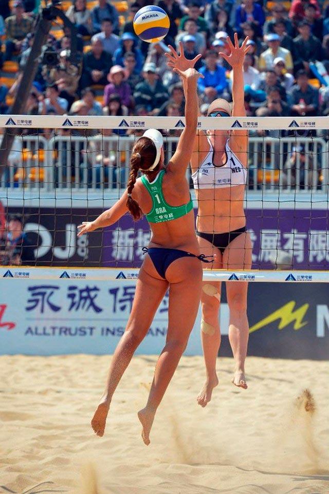 Женский пляжный волейбол. Вся красота