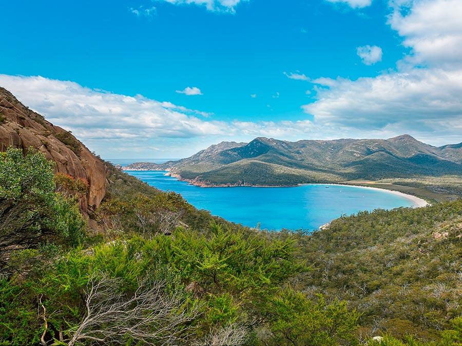 Восхитительная красота Австралии Бухта Wineglass, Национальный парк Фрейцинет, остров Тасмания