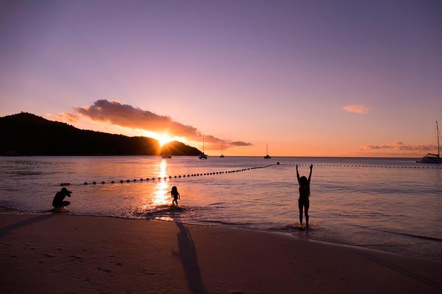 Самые великолепные пляжи в мире, по версии TripAdvisor Anse Lazio — Остров Праслен, Сейшельские острова