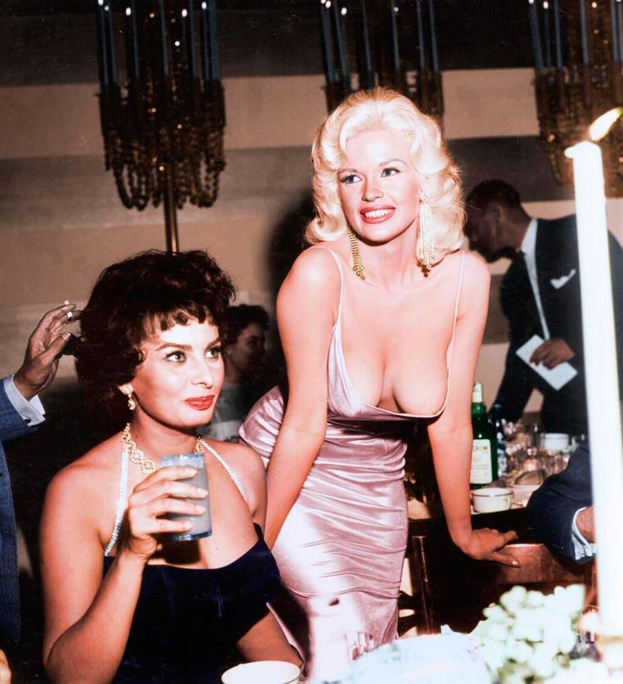 Культовые исторические фото - теперь в цвете Софи Лорен и Джейн Мэнсфилд