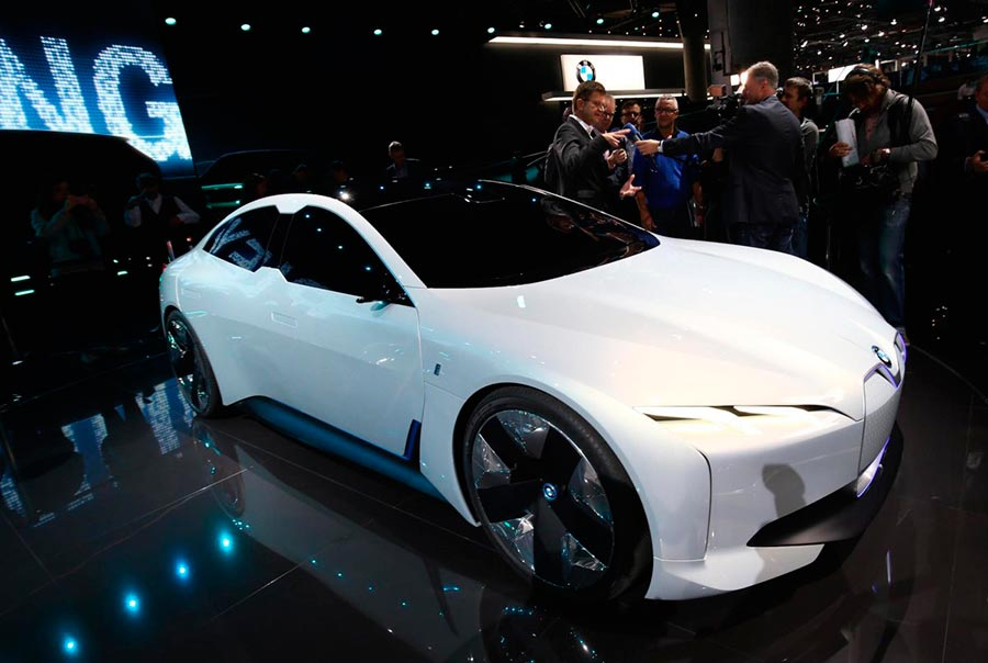 Автосалон во Франкфурте: самые горячие автомобили BMW i Vision Dynamics