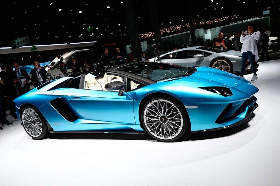 Автосалон во Франкфурте: самые горячие автомобили Lamborghini Aventador S
