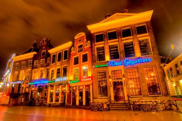 Нидерланды: удивительные факты Паб De Drie Gezusters Три сестры