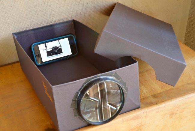 Лайфхаки из картонной коробки, которые сделают дом комфортнее Проектор для смартфона