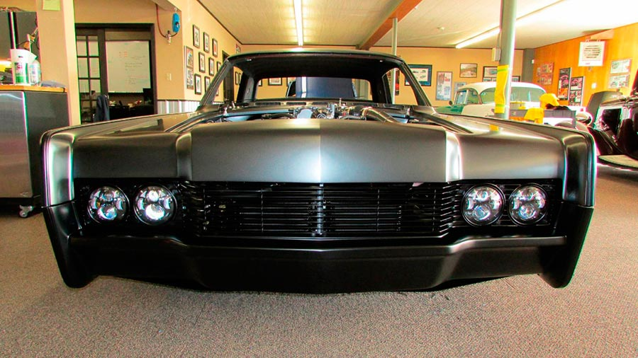 Крутой Lincoln Continental 1966 с двигателем от Ford Shelby GT500
