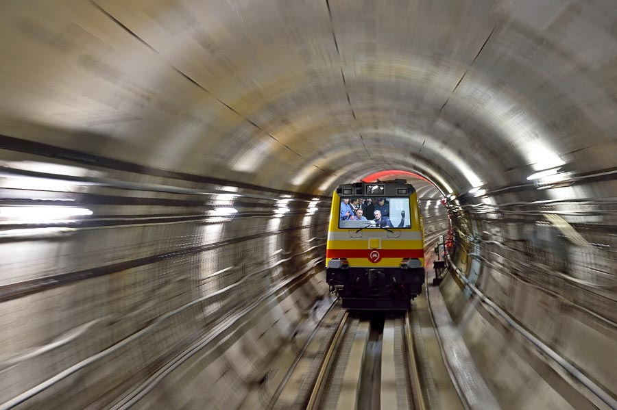 Третье кольцо метро: проехал первый поезд