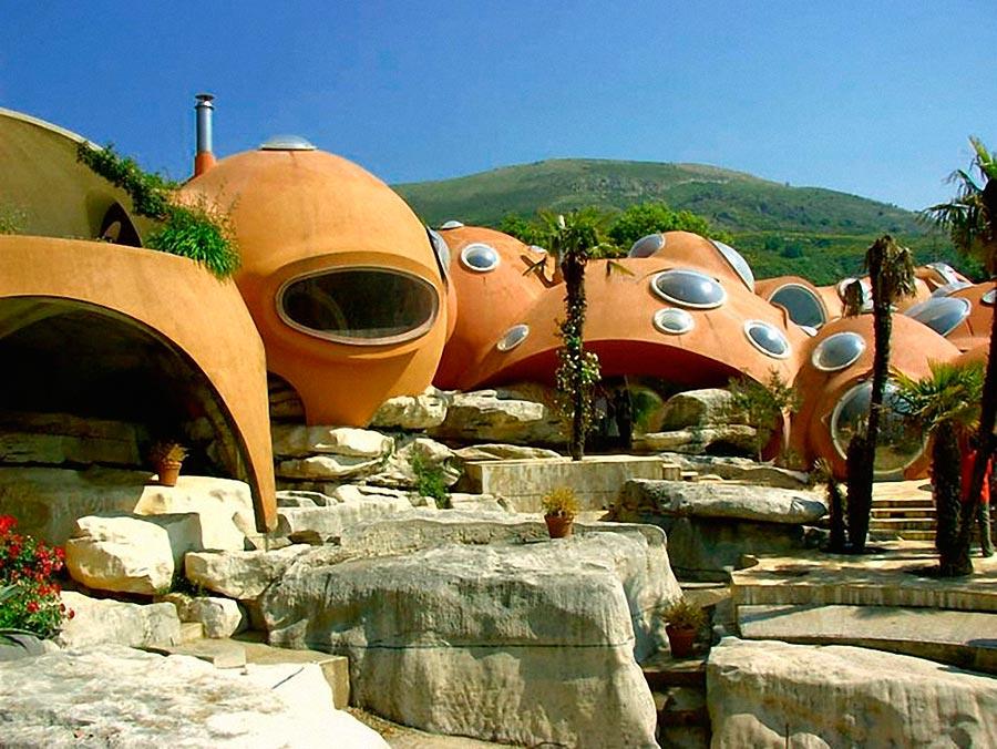 Самые оригинальные дома в мире Bubble House во Франции