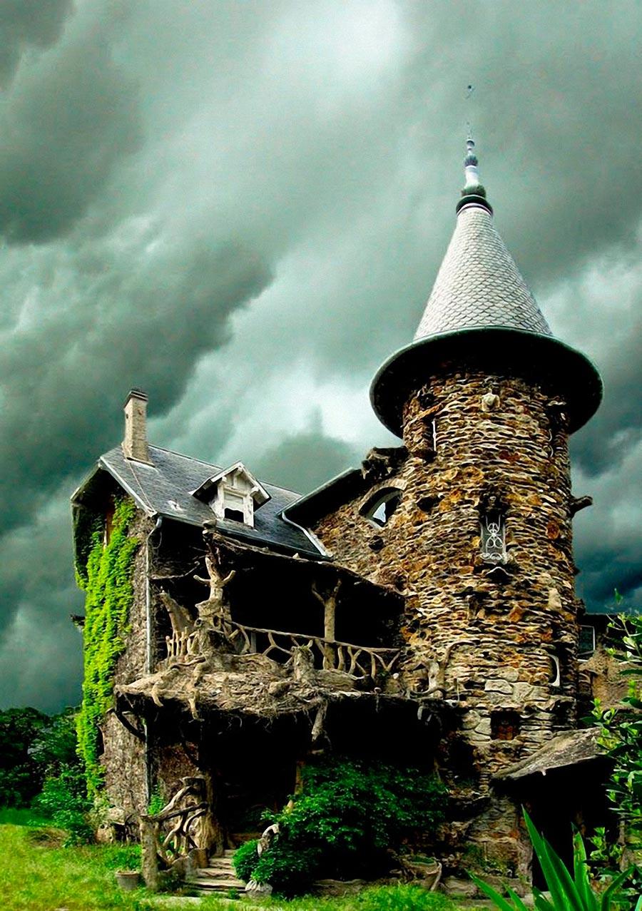 Самые оригинальные дома в мире Дом с привидениями Париж Франция