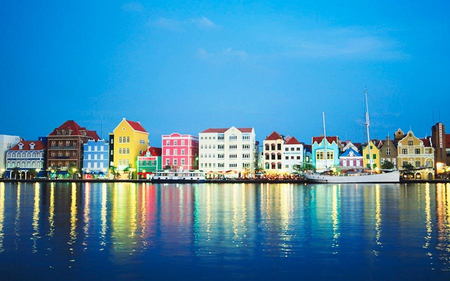 цветные города планеты Виллемстад Кюрасао Нидерланды