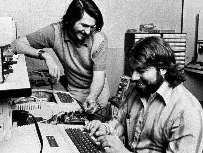 компании основанные в гараже Apple
