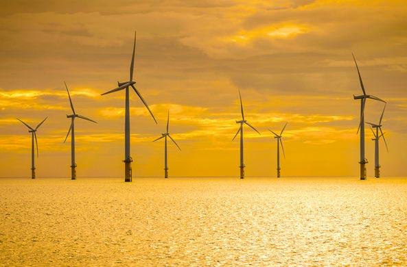 добывать электричество посреди океанов