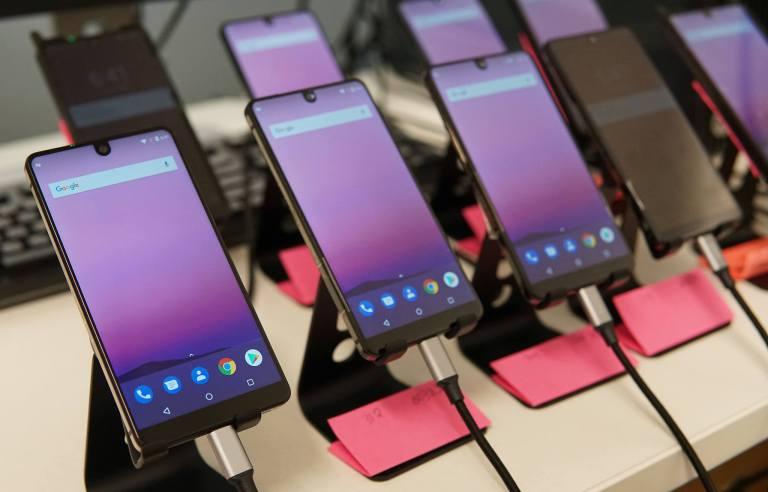 Убийца iPhone от создателя Android провалился