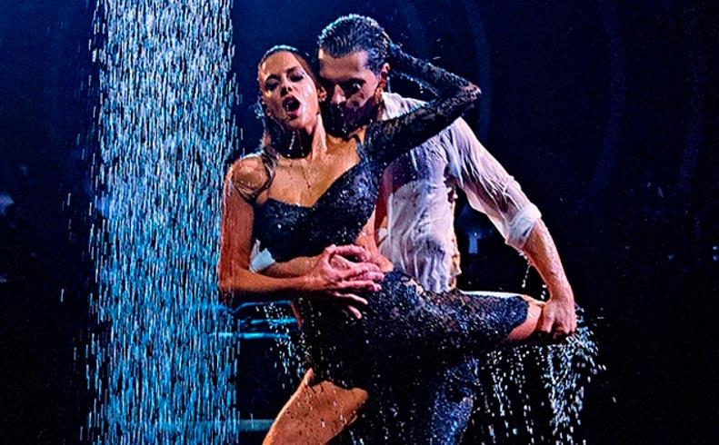 Кино с элементами танцев Танец-вспышка