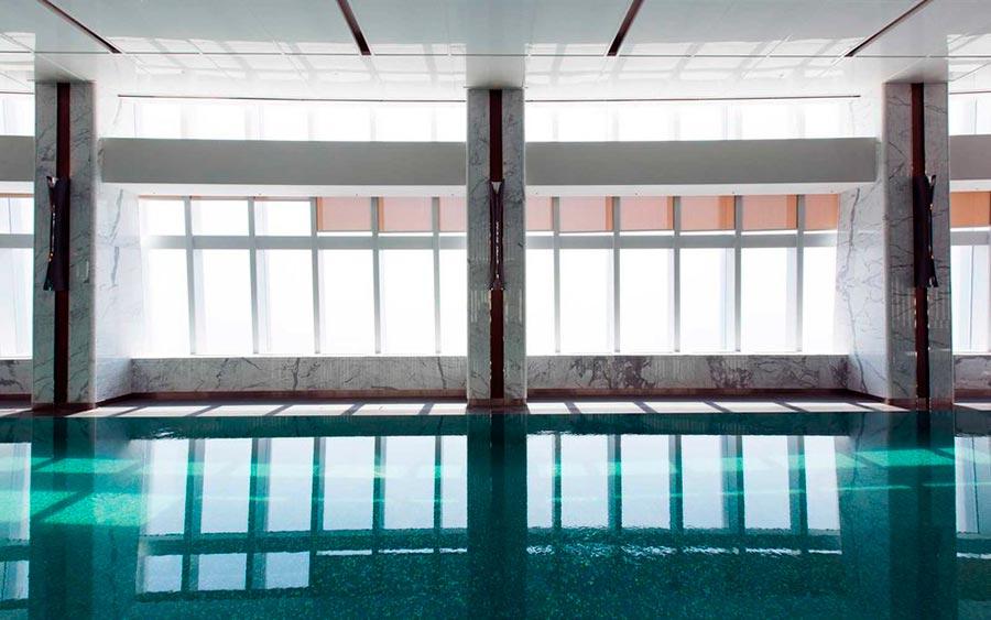 Самые высокие места планеты бассейн в здании Lotte World Tower Сеул Южная Корея Seul South Korea