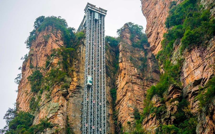 Самые высокие места планеты подъемник Bailong Elevator Лифт ста драконов Хунань Китай Hunan China