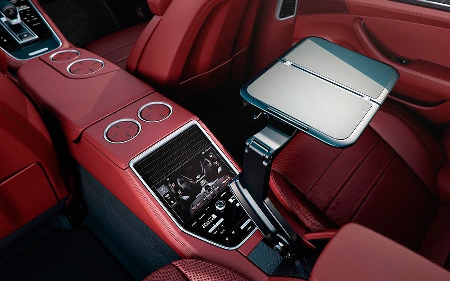 роскошные серийные автомобили Porsche Panamera Executive