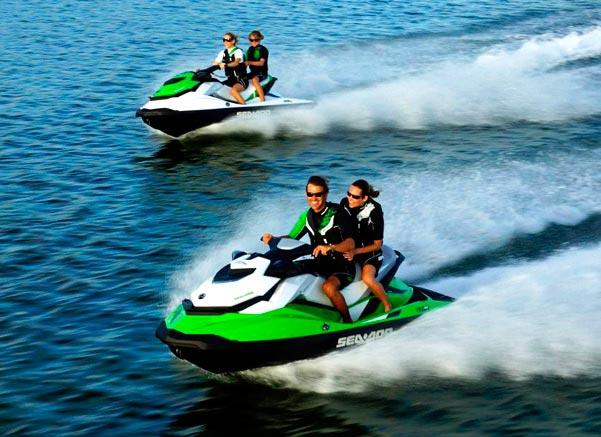 популярные виды спорта на воде Катание на гидроцикле