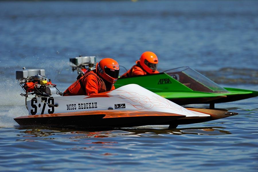 популярные виды спорта на воде Катание на катере