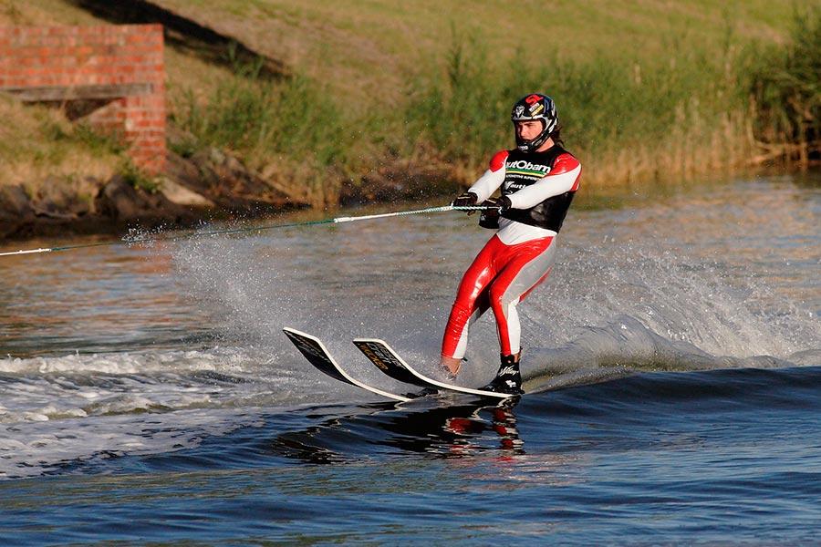 популярные виды спорта на воде Водные лыжи