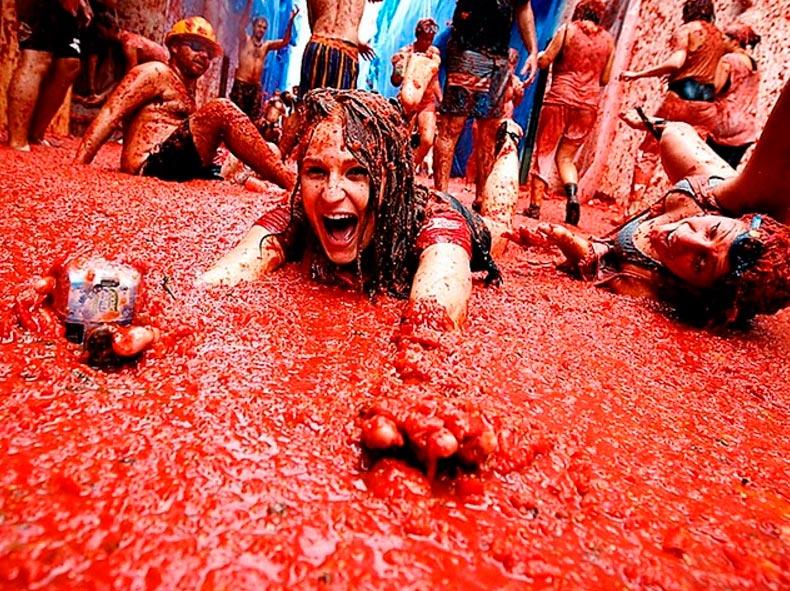 Испанский фестиваль Томатина La Tomatina