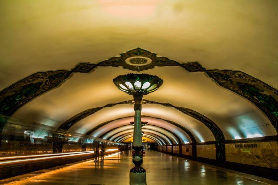 станции метро Ташкента им. Хамида Олимжана