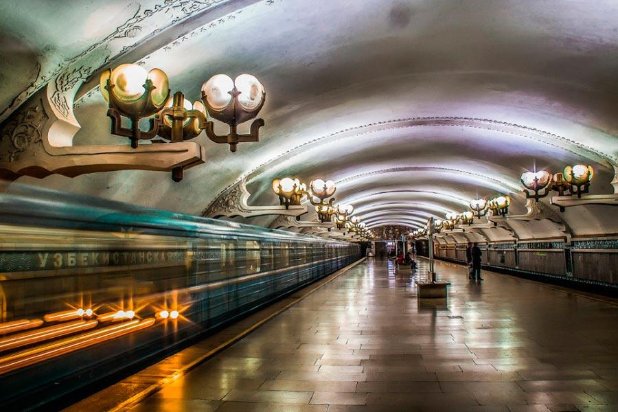 станции метро Ташкента Узбекистанская