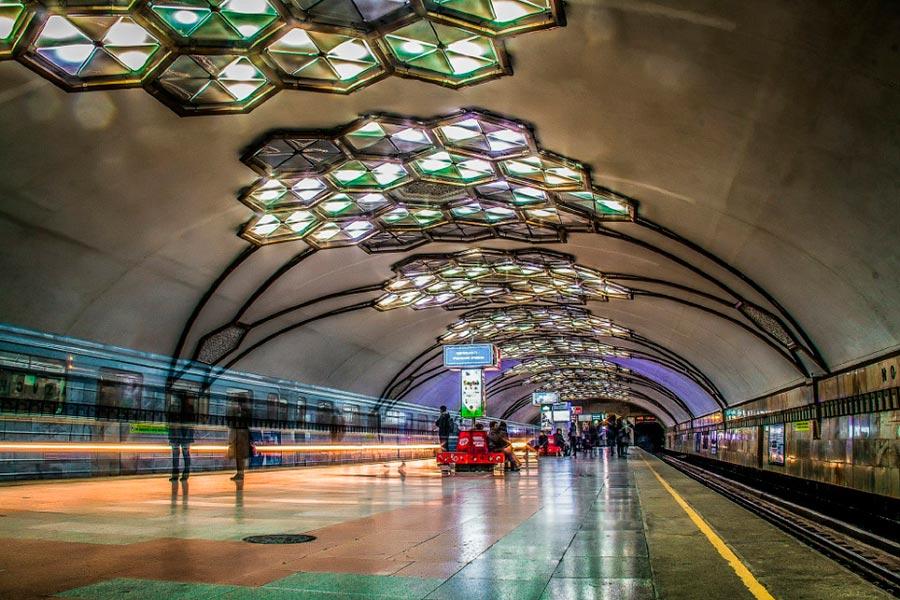 станции метро Ташкента Новза бывшая им. Хамзы