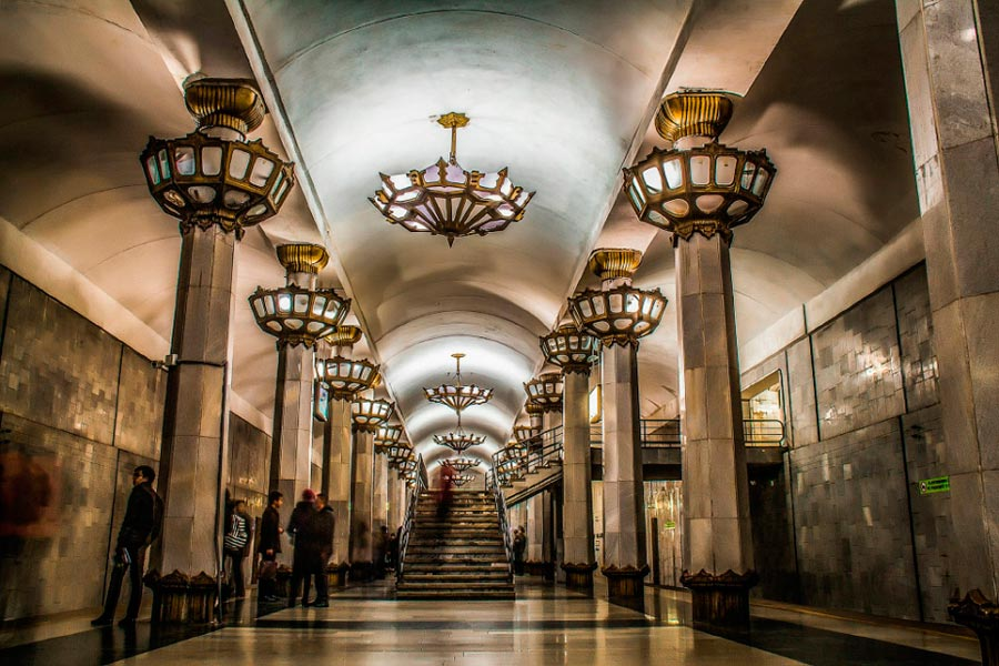 станции метро Ташкента им.Юнуса Раджабий