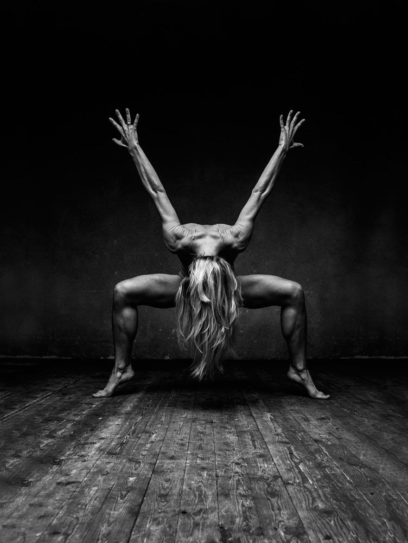 Александр Яковлев взрывные портреты танцоров
