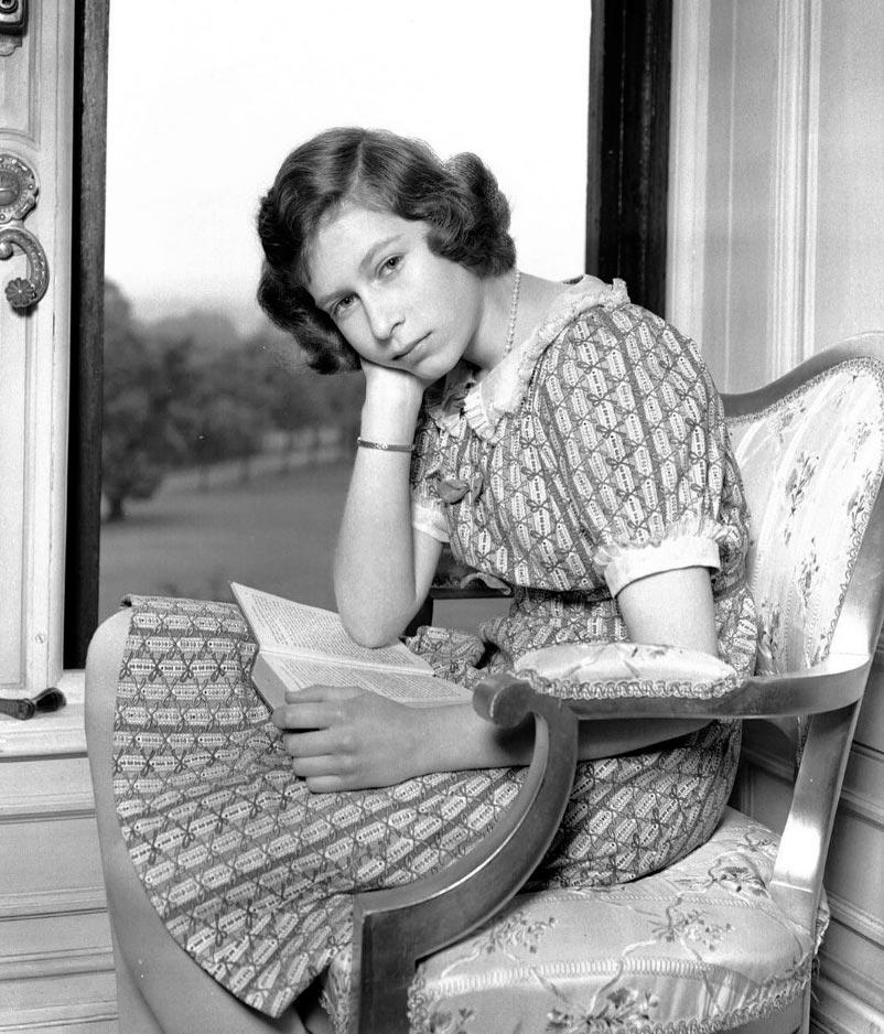 знаменитости в юном возрасте celebrities young age Елизавета II Elizabeth II