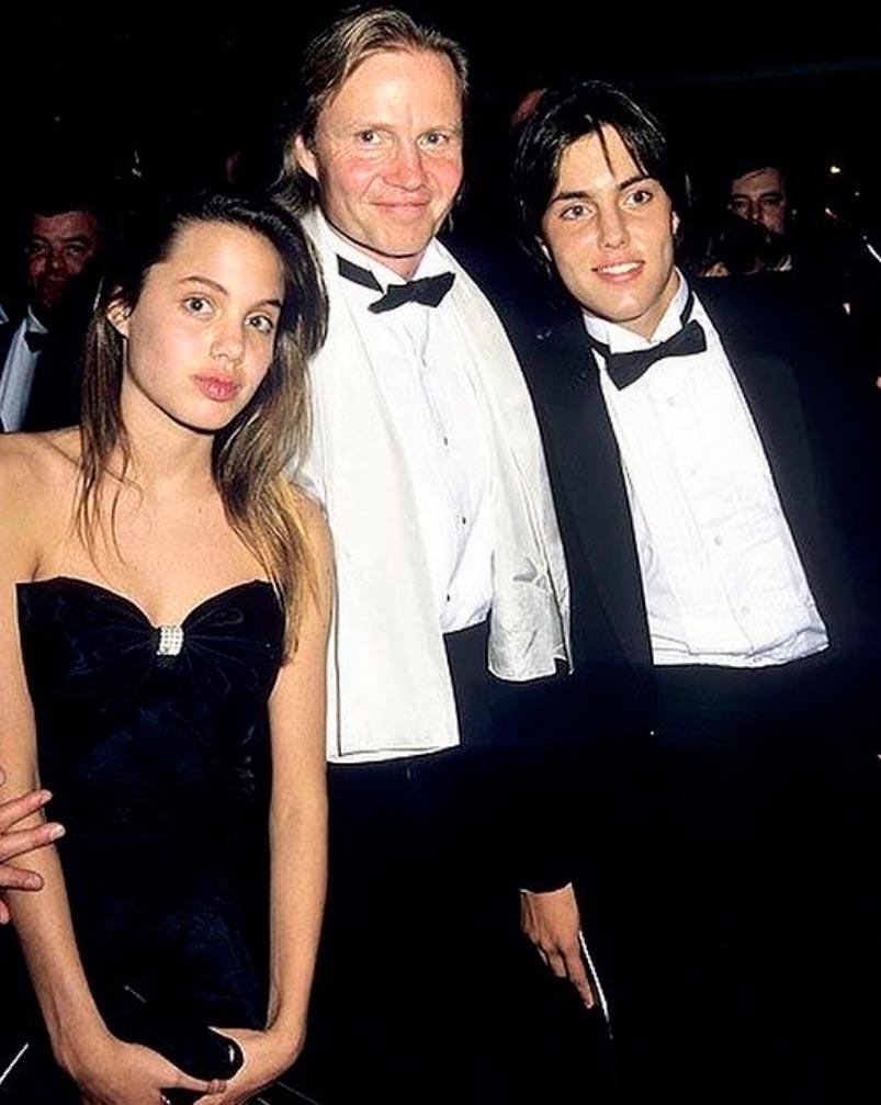 знаменитости в юном возрасте celebrities young age Анджелина Джоли Angelina Jolie