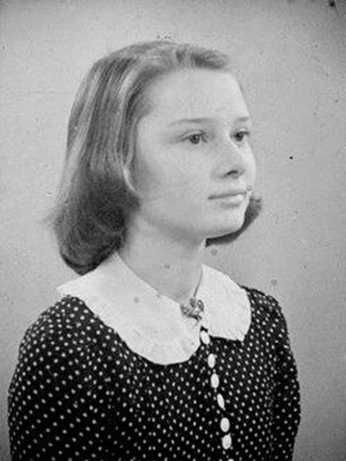 знаменитости в юном возрасте celebrities young age Одри Хепберн Audrey Hepburn