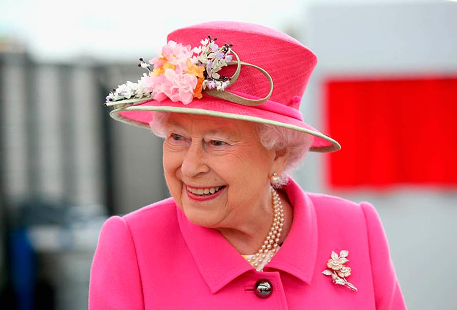 Возрастные изменения Елизаветы II на банкнотах changes on the banknotes Elizabeth