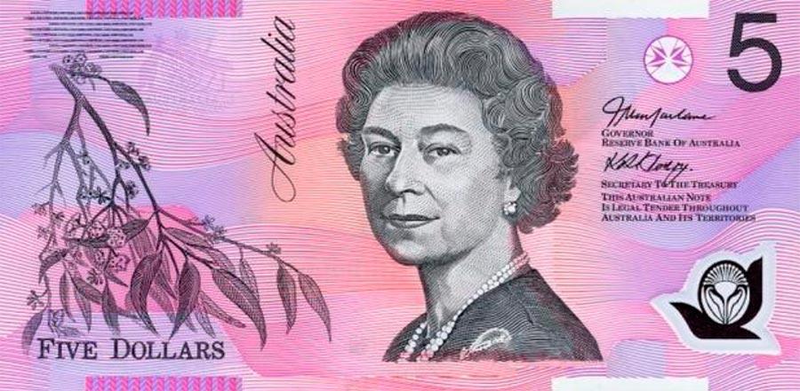 Возрастные изменения Елизаветы II на банкнотах changes on the banknotes Elizabeth 5 австралийских долларов