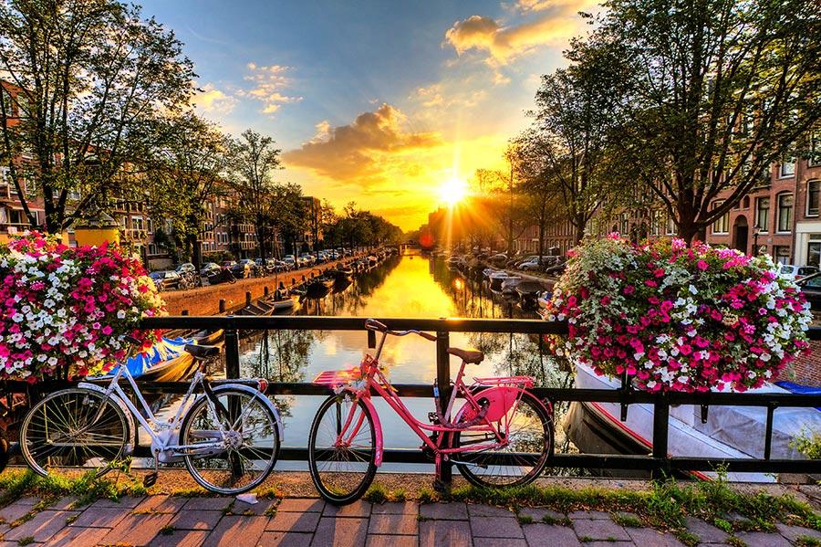 Страны люди передвигаются на велосипедах countries people move on bicycles Нидерланды Netherland