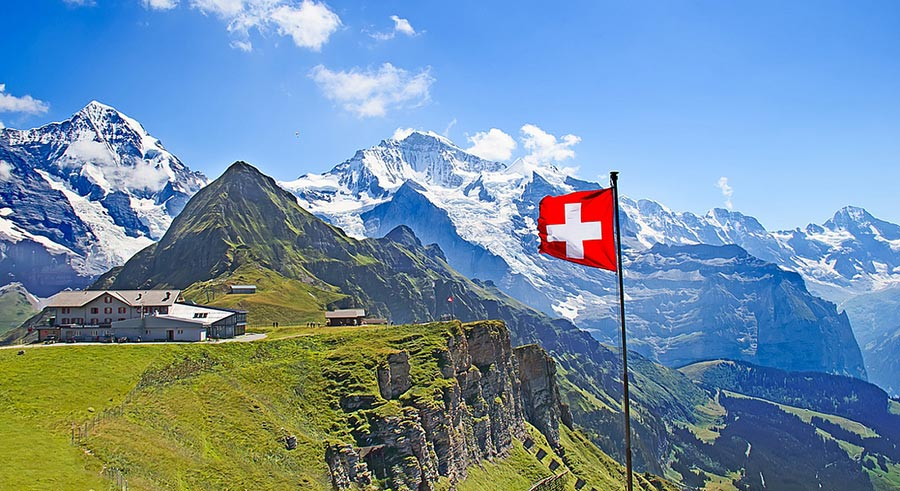 Страны люди передвигаются на велосипедах countries people move on bicycles Швейцария Switzerland