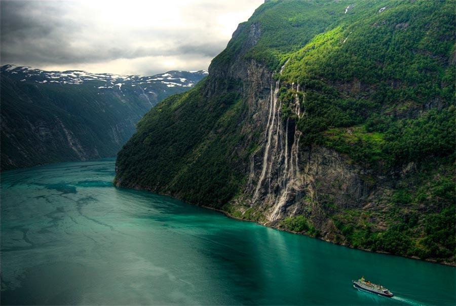 пейзажи Норвегия landscapes Norway Водопад Семь сестер