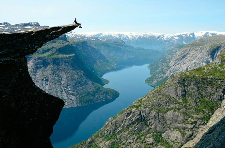 пейзажи Норвегия landscapes Norway Скала Trolltunga Язык Тролля