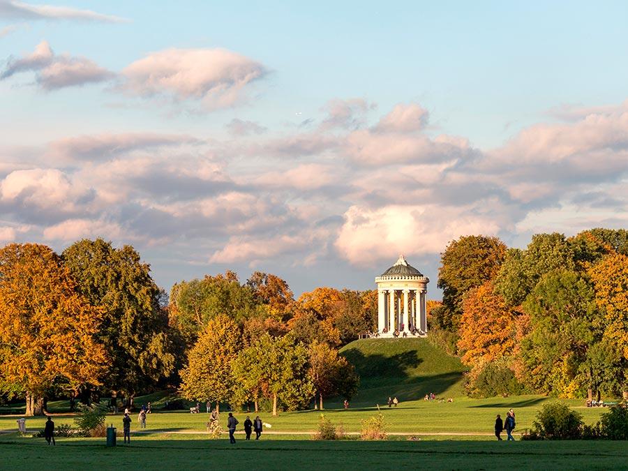 городской парк city park Английский сад Мюнхен Германия english garden Munich Germany