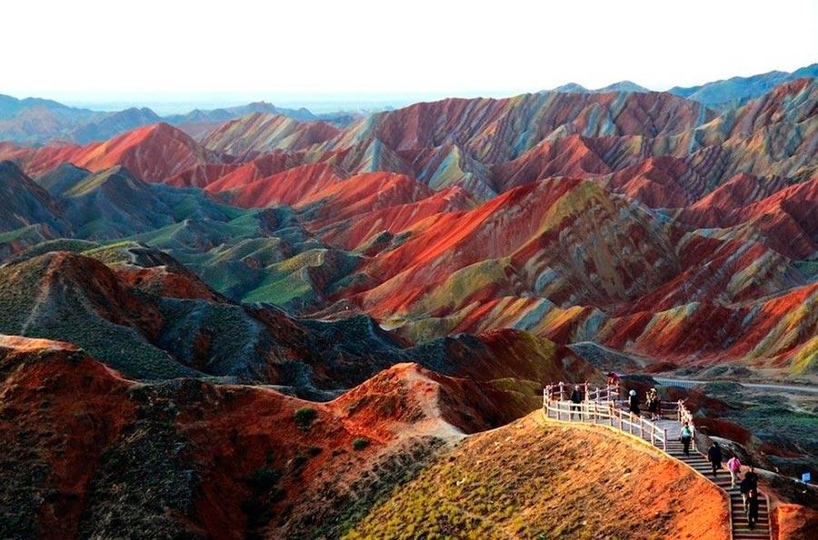 места на Земле Цветные скалы Чжанъе Данксиа в Ганьсу Китай China