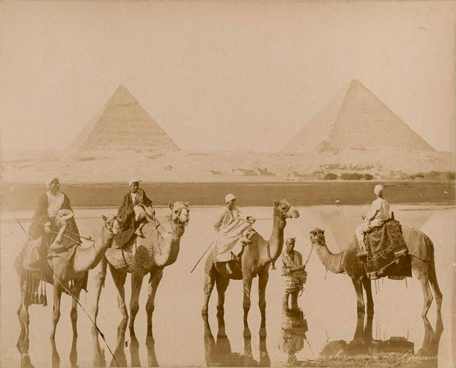 Adelphoi Zangaki Братья Зангаки Древние чудеса Египта ancient wonders of Egypt Наездники на верблюдах возле пирамид