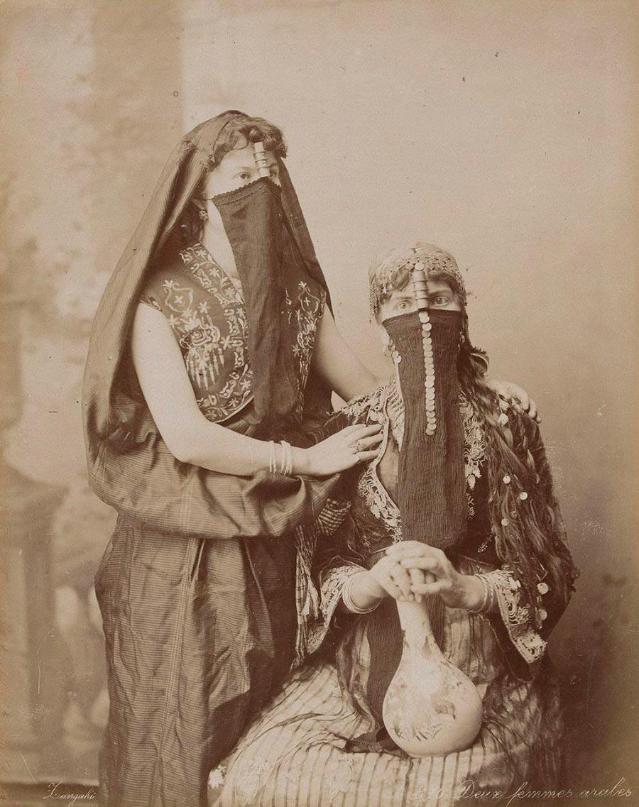 Adelphoi Zangaki Братья Зангаки Древние чудеса Египта ancient wonders of Egypt Две арабские женщины