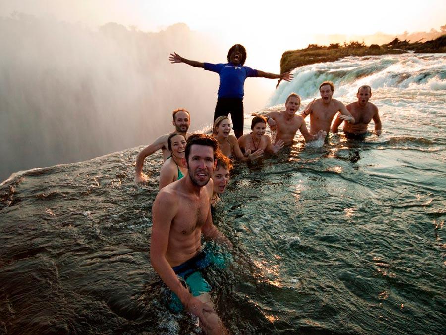adventure приключения Бассейн Дьявола водопад Виктория Южная Африка devil's pool Victoriz falls South America