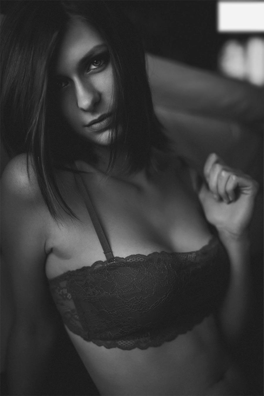 Красота женского тела в будуарной фотографии