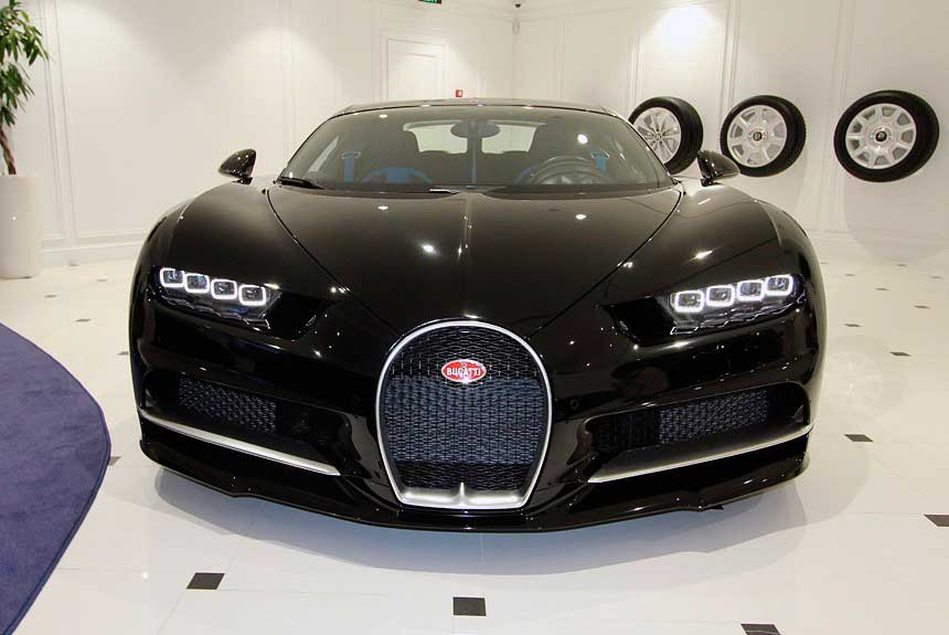 Bugatti Chiron приехал погостить в Россию