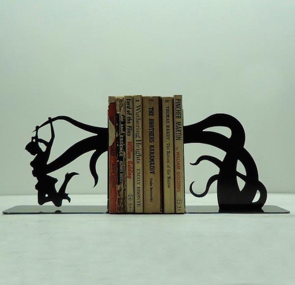 Креатив на книжной полке creative bookshelf